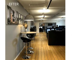 Lampen og billederne omkring baren er lavet i akustikdæmpende materialer. Lydniveaet er markant ændret til det positive hos Moccamaster Nordic.